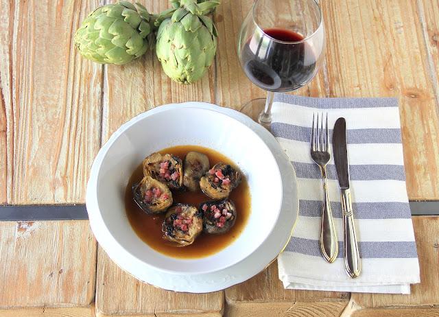 guiso de alcachofas con jamón y sus caldos
