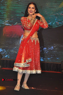 Bollywood Actress Model Sunny Leone Dance Performance in Red Half Saree at Rogue Audio Launch 13 March 2017  0001.jpg