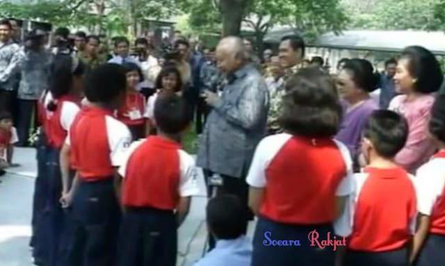 Sejarah Soeharto Presiden Indonesia Kedua Bapak Pembangunan soeararakjat