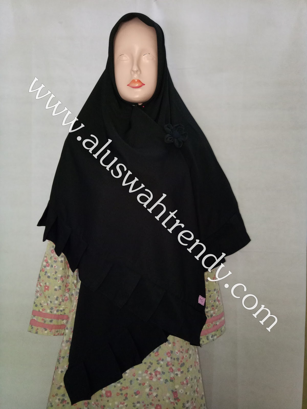 Jilbab Khimar Segiempat Rempel Warna Hitam 23