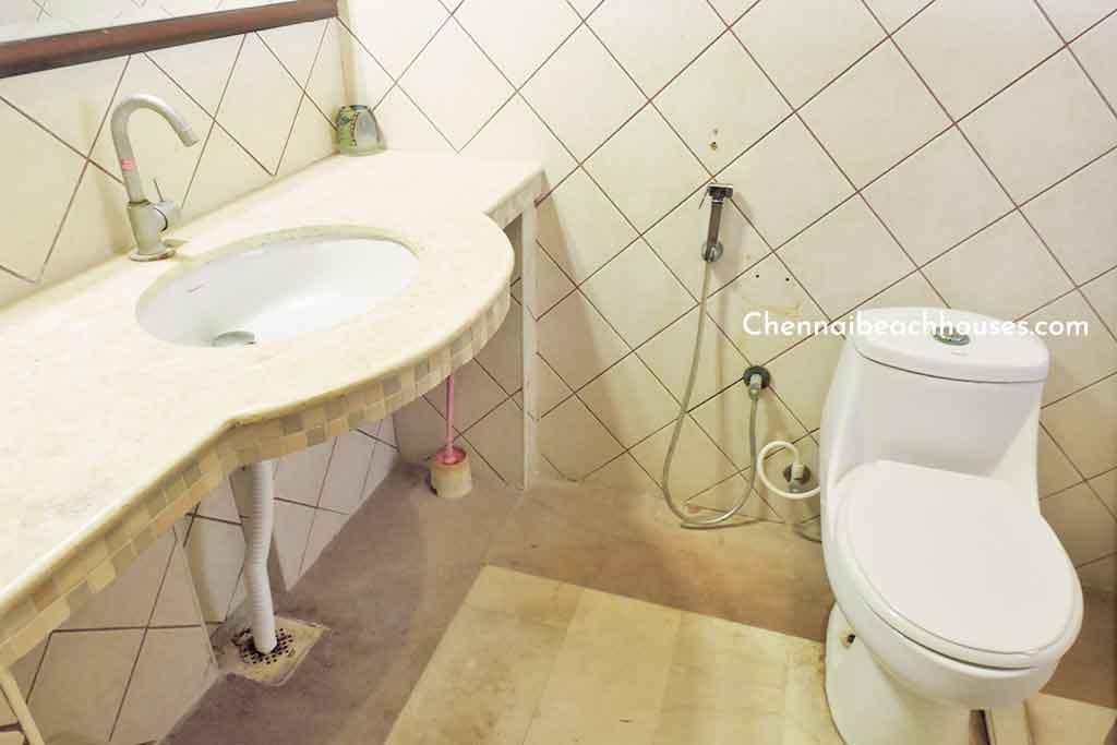 sunrise villa ecr restroom