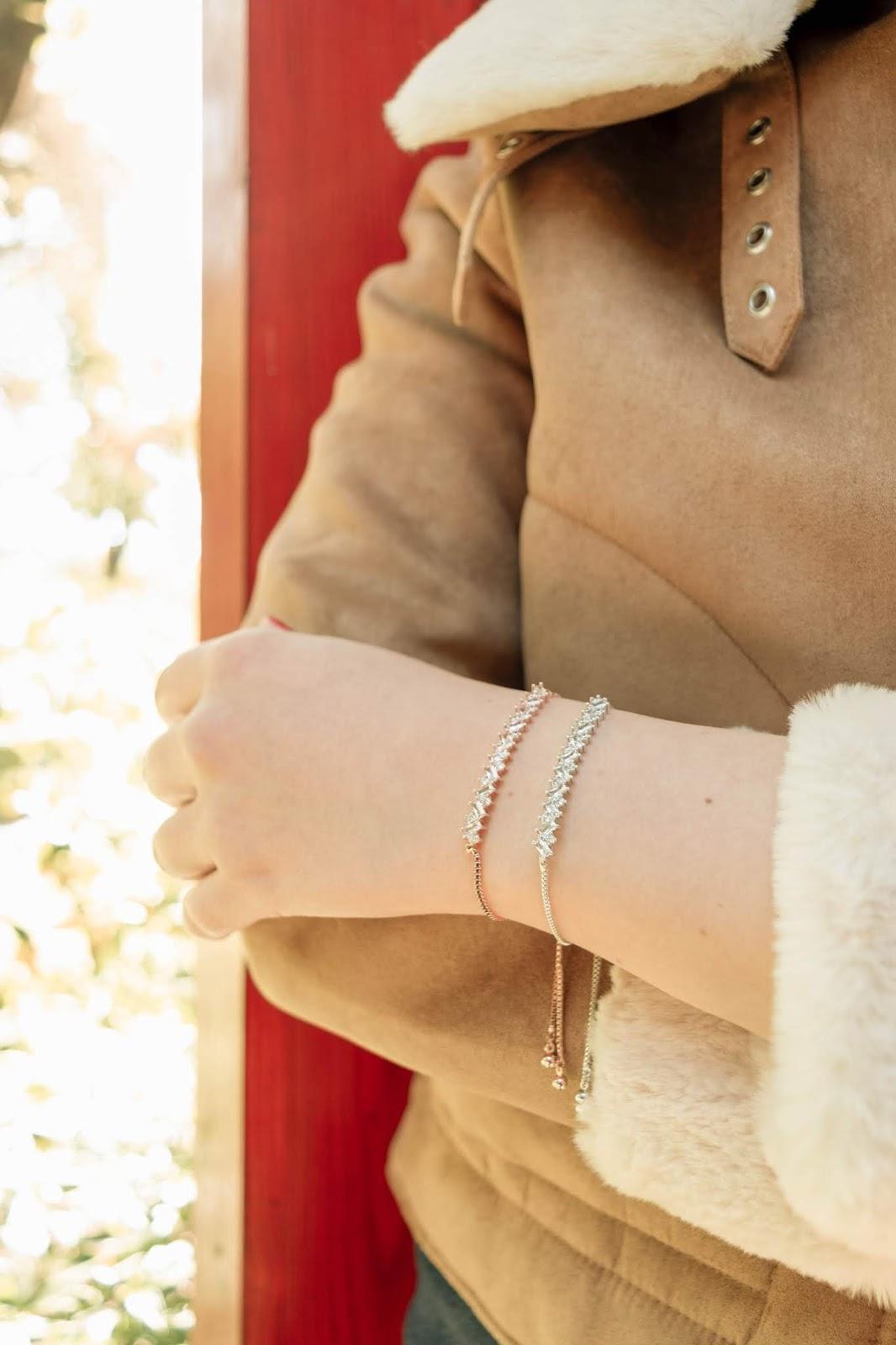 Crystal bracelets that fasten