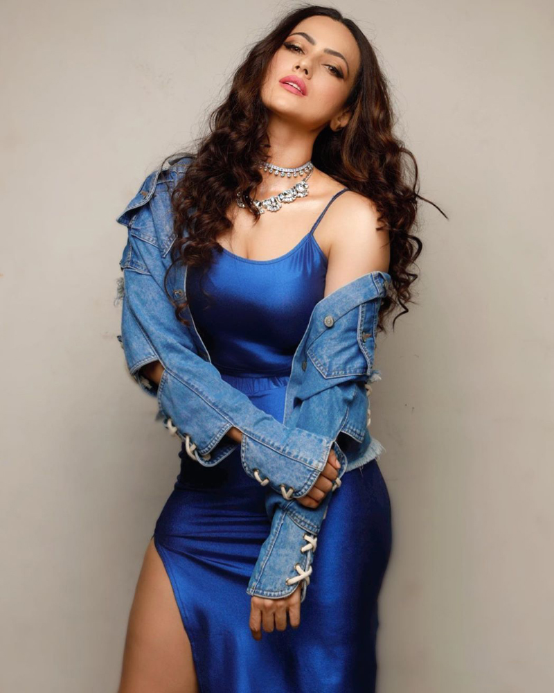 Sana Khan  india Islam Actress and model sexy