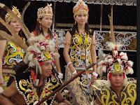 Lengkap! Inilah Pakaian Adat Kalimantan Barat dan Keterangannya