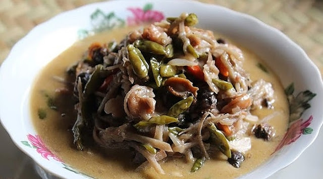 Selangor Top 5 Traditional Delights, Selangor, Traditional Delights, Nasi Ambeng, Bahulu Kemboja, Wadai Kipeng, Sambal Taun, Pecal, Travel Selangor, Selangor Tourism, Cuti Cuti Malaysia, nona manis kitchen, cyberjaya, Travel Malaysia, Travel