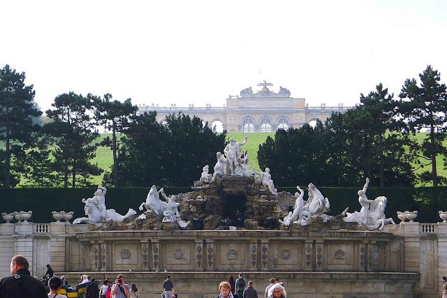 Schonbrunn Palace Neptune Fountain and Gloriette