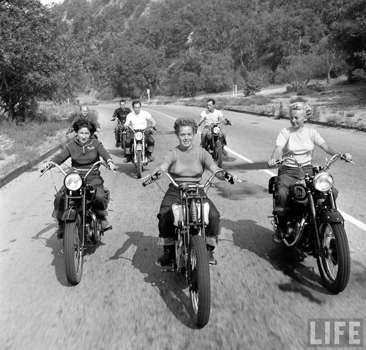 Naked lesbiens on motorcycle