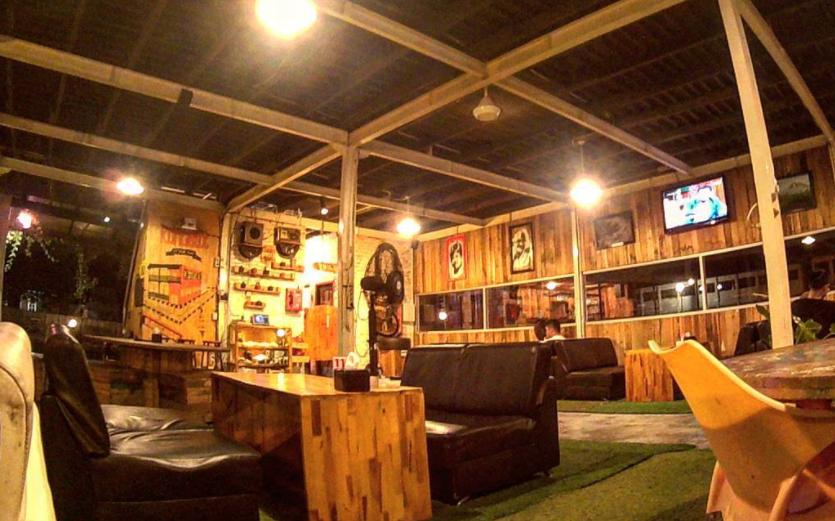 Makan Di Cafe Pelangi Semarang Nasi Goreng Terasi Jadi Menu