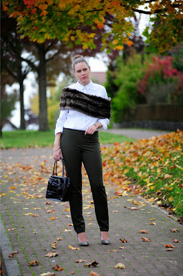 http://seaofteal.blogspot.de/2013/10/business-fur.html