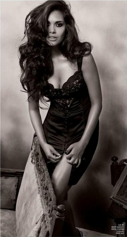 Esha Gupta Latest Unseen Hottest Pictures Gallery -5842