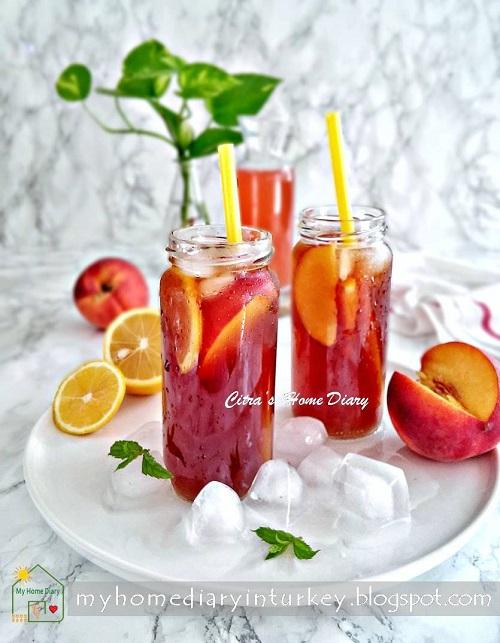 Perfect Peach syrup for  iced tea | Çitra's Home Diary. #peachrecipe #icedtea #peachsyrup #peachicetea #strawberryicedtea #estehbuahpersik #caramembuatesteh #şeftaliçay #şeftalisurubu