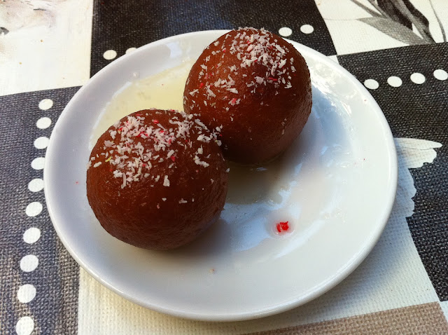 HOW TO MAKE GULAB JAMUN WITH PANEER AND KHOYA AT HOME:
