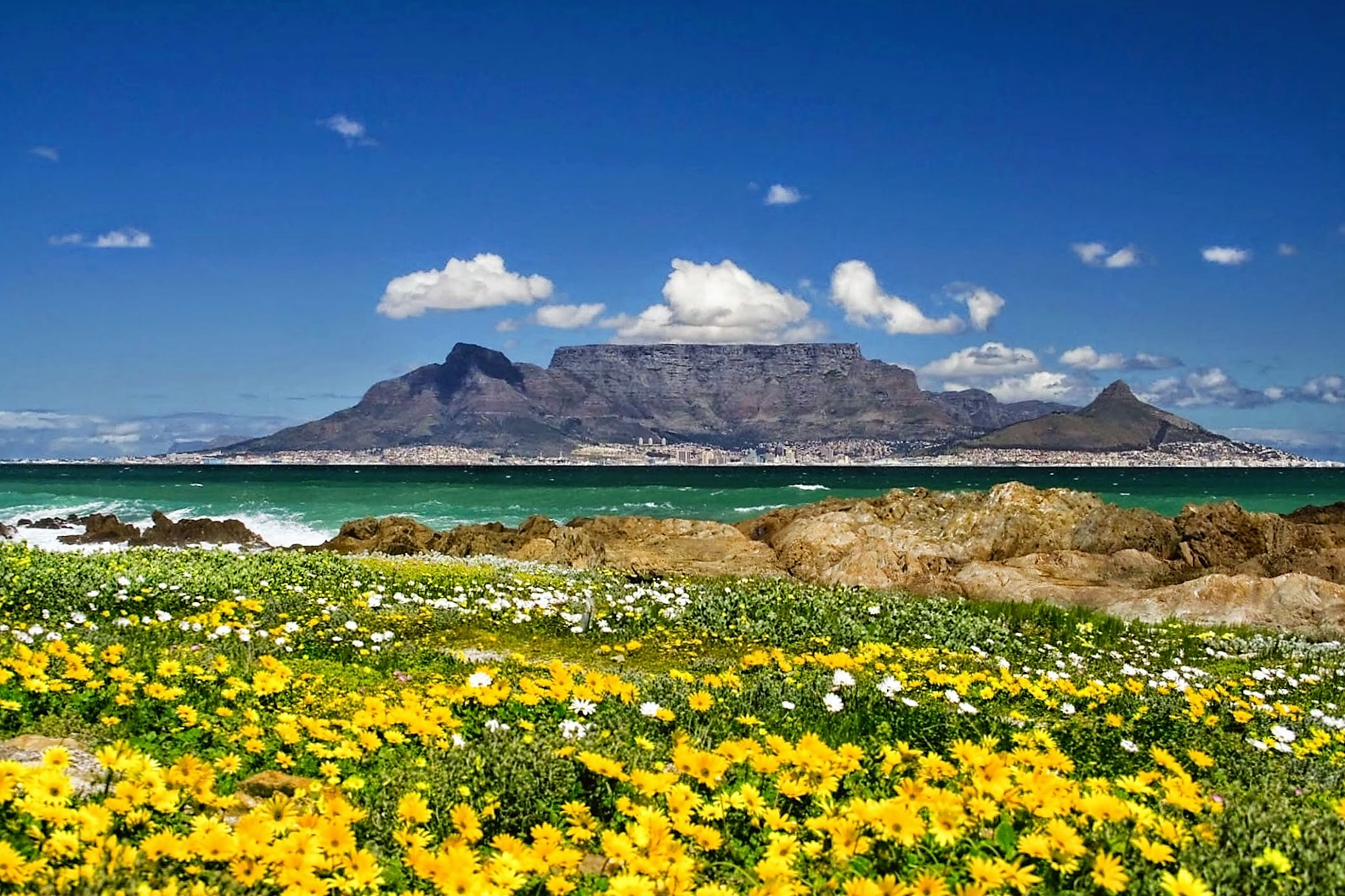 5 five 5 table mountain cape town south africa - Table mountain wallpaper ...