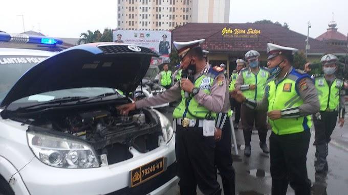 Wakasatlantas Lakukan Pengecekan Kesiapan Kendaraan Dinas