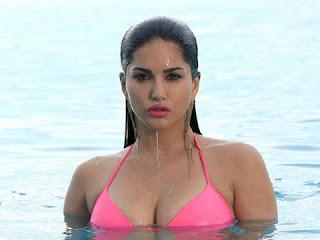 Bollywood actress Sunny Leone hot