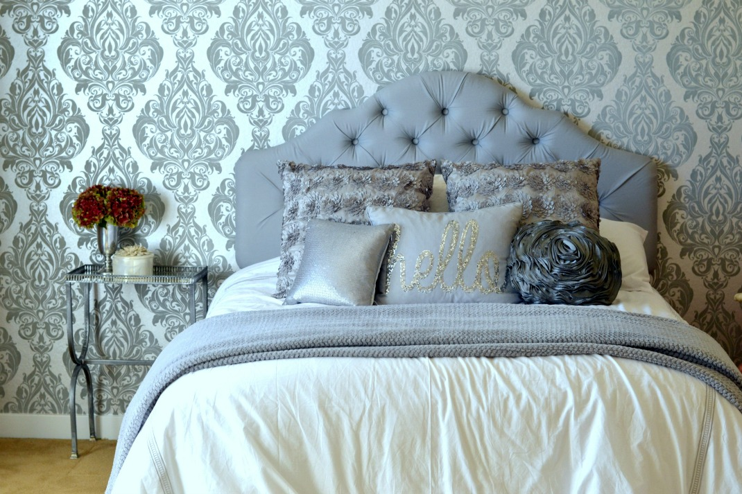 Glam silver and white teen girl bedroom makeover rachel teodoro Wallpaper for teenage girl bedroom