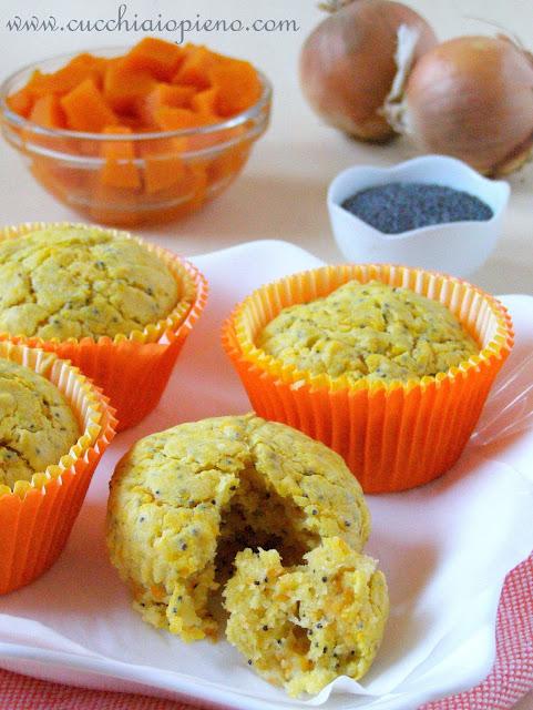 Delicioso muffin de abóbora salgado e papoula