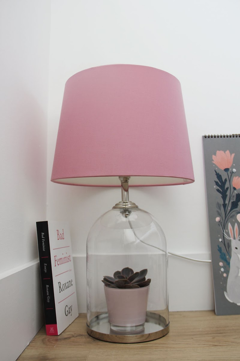 Laura Ashley bell jar lamp | www.itscohen.co.uk
