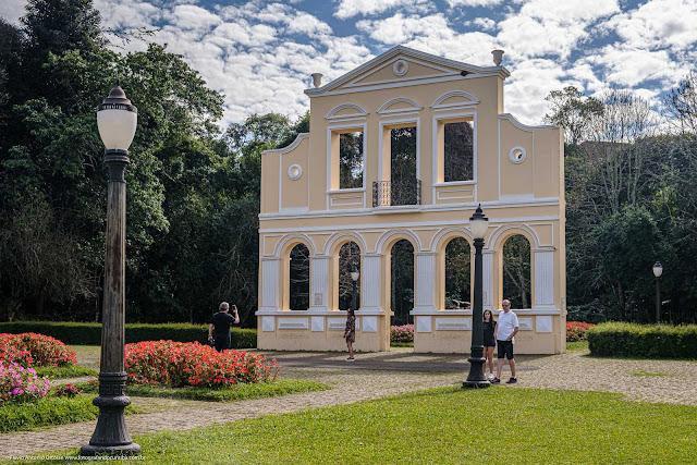 Portal da Casa Mylla no Bosque Alemão