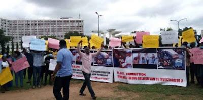 Protesters Storm Abuja Streets, Demand Arrest Of Tinubu Over Bullion Van Saga