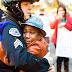 """""""Posso te abraçar?"""": Este gesto de um policial repleto de emoção para o Chile"""