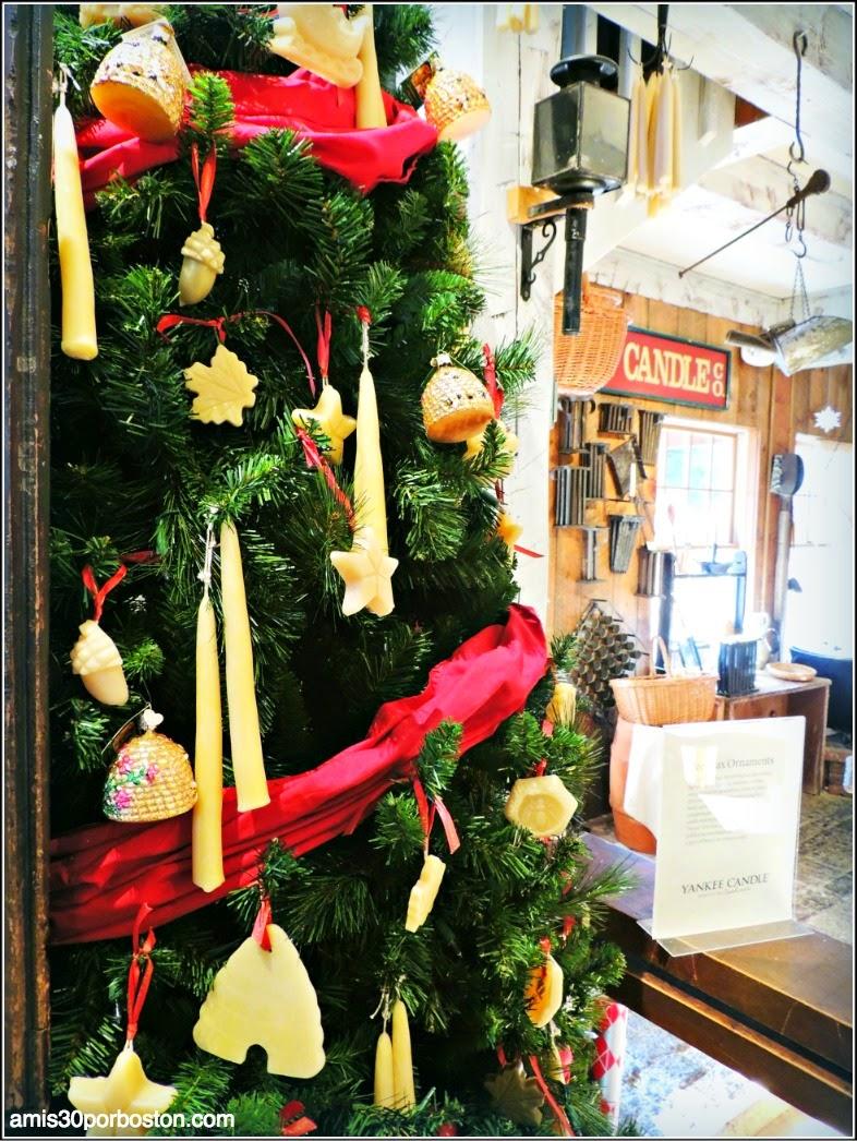 Yankee Candle Village: Árbol de Navidad Decorado con Velas