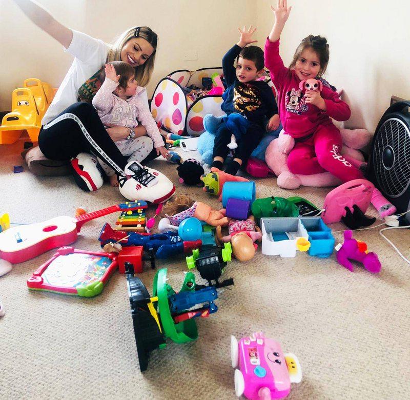 Faloon tuvo que acostumbrarse a convivir con juguetes tirados por toda la casa