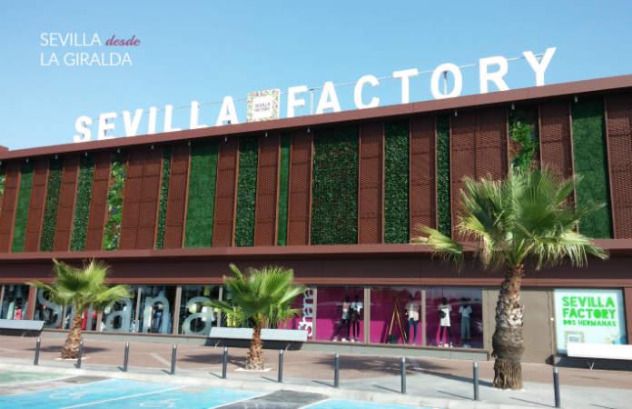 Exterior del outlet de ropa Sevilla Factory en Dos Hermanas