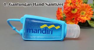 Gantungan Hand Sanitizer merupakan salah satu trend souvenir natal tahun 2020