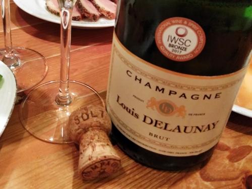 やっとシャンパーニュで乾杯することができました
