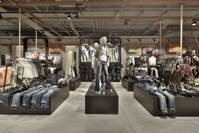 Green Pear Diaries, interiorismo, retail, visual merchandising, Kastner & Oehler, Ried im Innkreis, Austria, Blocher Blocher Partners