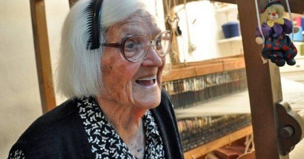 Η 106 ετών Κυρά της Ικαρίας