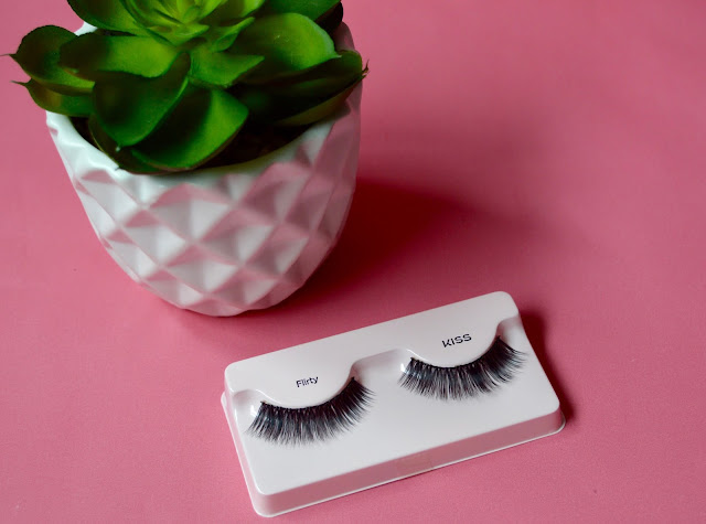 Kiss eyelash review bloggers