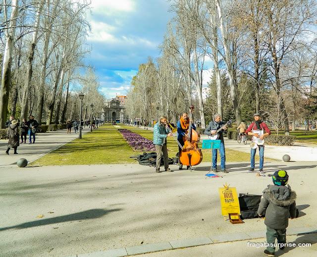 Músicos no Parque do Retiro, Madri