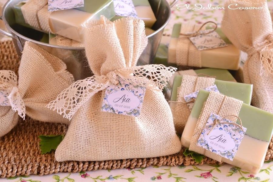 Detalles naturales para bautizos saquitos aromaticos y jabones karite