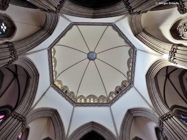 Vista inferior da Abóbada central da Catedral da Sé - Sé - São Paulo
