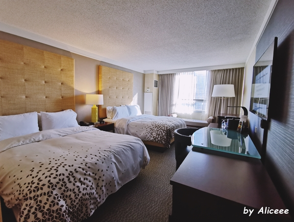 bedroom-Renaissance-Columbus-Downtown