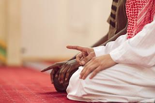 Tradisi Berjabat tangan setelah shalat Berjamaah