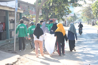 Lembaga Peduli Sampah Desa Cendimanik Adakan Bersih Sampah Disepanjang Jalan.