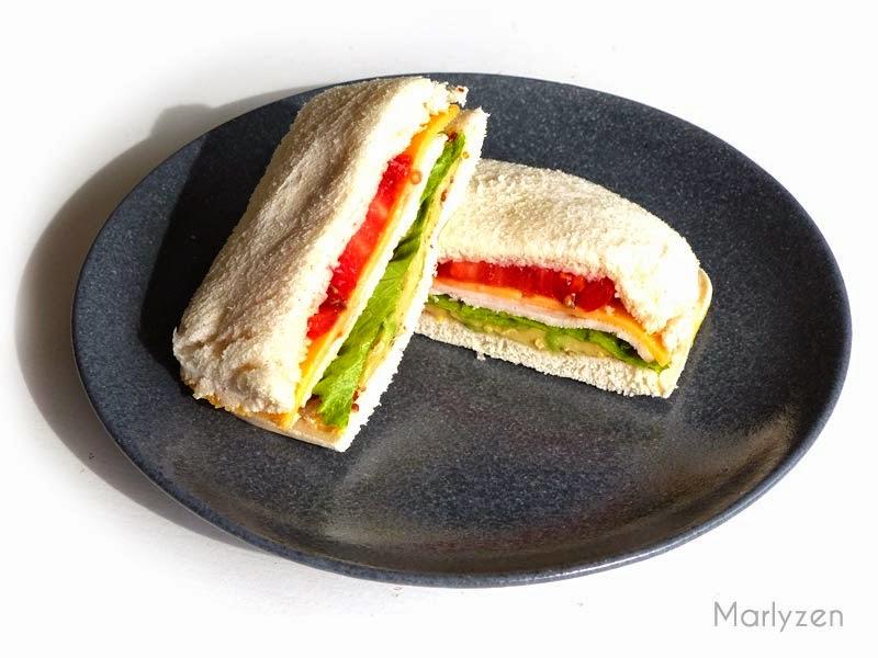 Un appétissant club sandwich coloré !