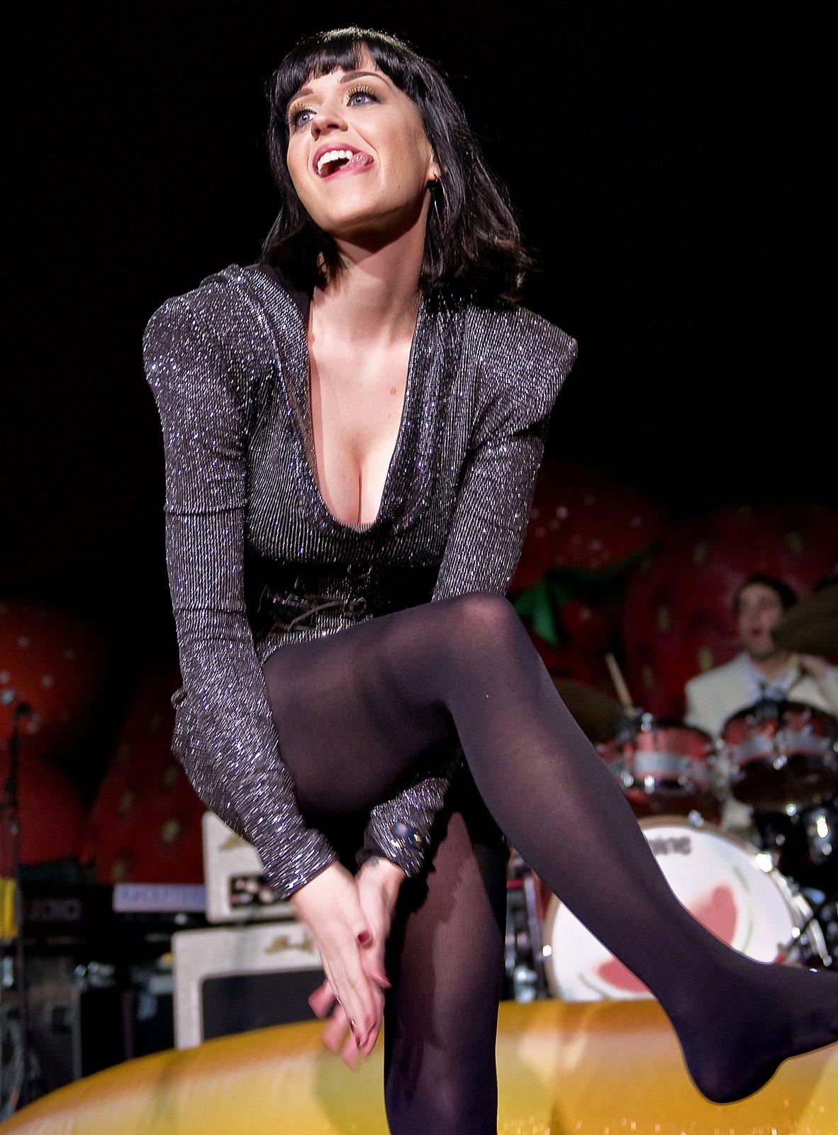 Katy perry hot feet