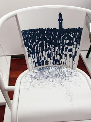Ilustração da cidade do Porto feita numa cadeira portuguesa da ADICO