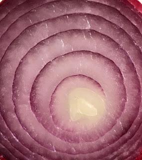 Receta: Tarta de cebolla caramelizada y champiñones.
