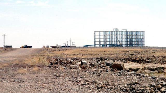 مستثمرون في مدينة أم الزيتون الصناعية يشتكون نقص الخدمات والبطيء في تنفيذ البنى التحتية..والمدير يرد