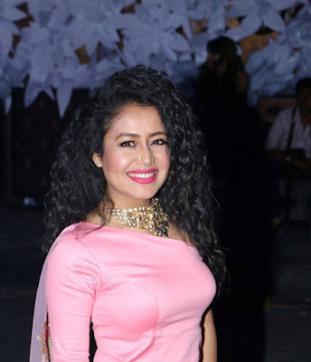 Famous Singer Neha Kakkar cute smiling hd images