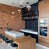 Espaço gourmet contemporâneo e rústico preto, marrom e cinza com tijolinhos, madeira e porcelanato!