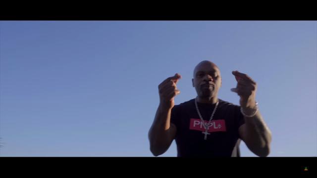 "Assista o clipe ""Trap de Favela"" do MV BIL #Perfil59 #Pineapple"