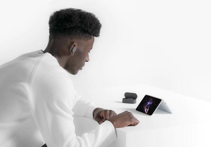 Microsoft Surface Duo With Dual Screen And Surface Pen Support
