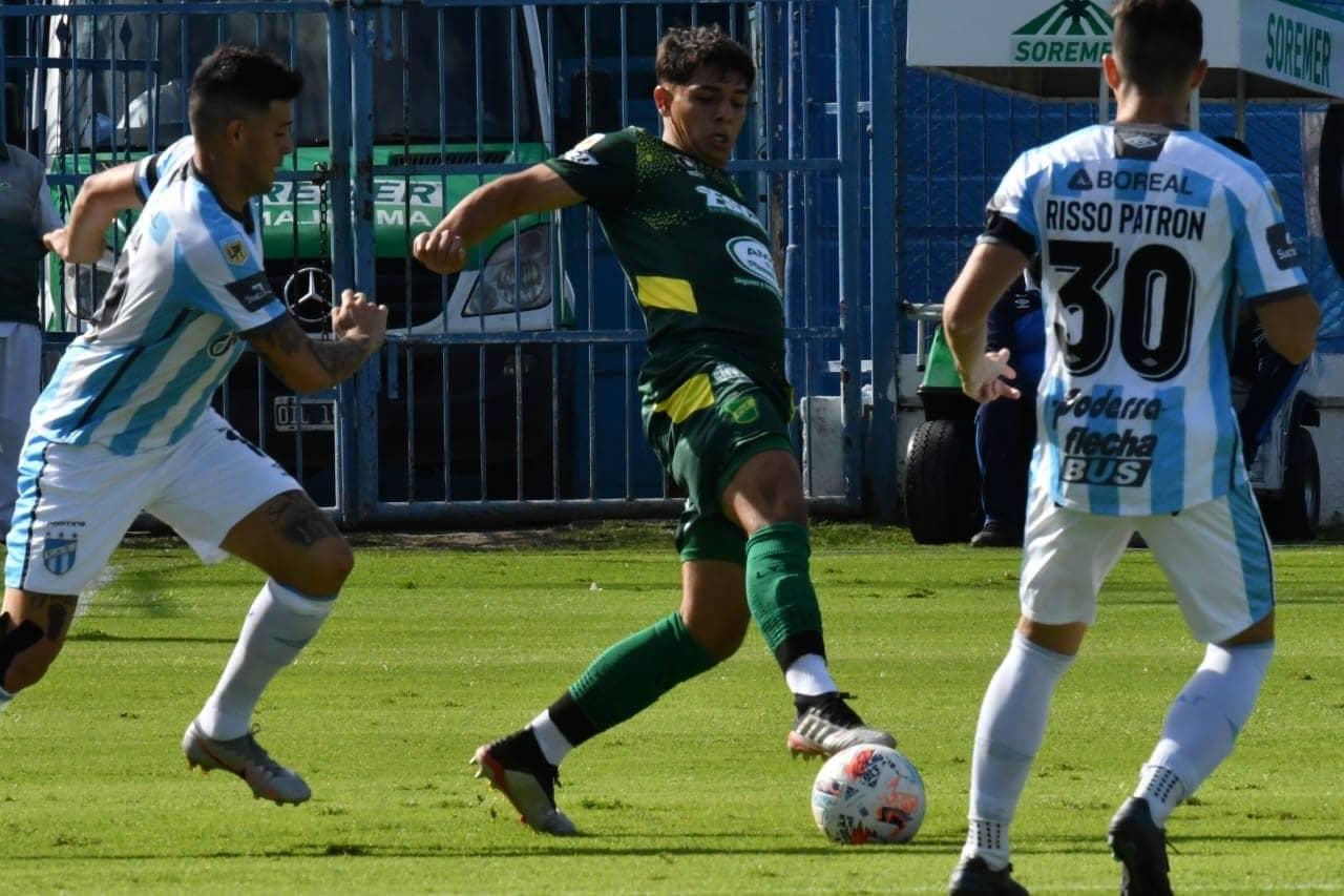 Atlético Tucumán goleó a Defensa y Justicia y por ahora clasifica a cuartos de final