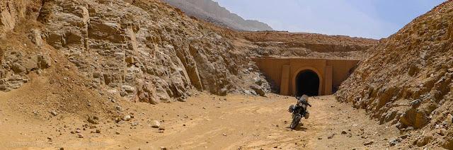 Il tunnel di Choum (ingresso Nord)
